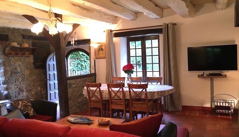 self-catering-accomadation-dinan-brittany-piscine-pool