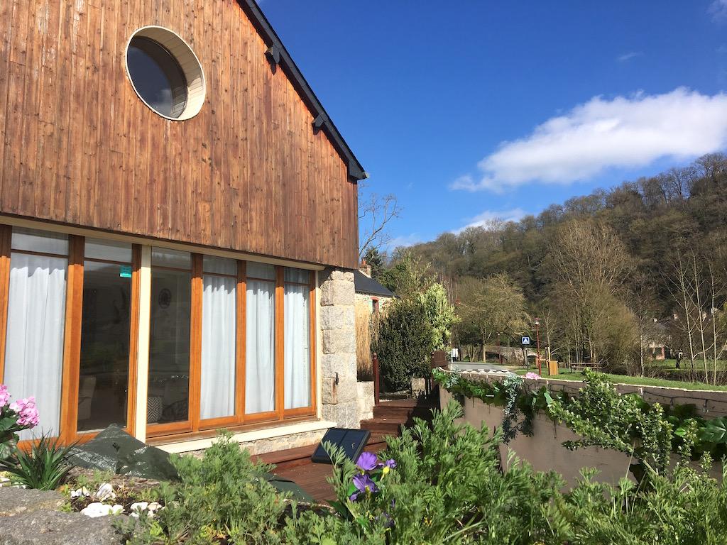 Quai du Val – Riverside Boathouse – Léhon