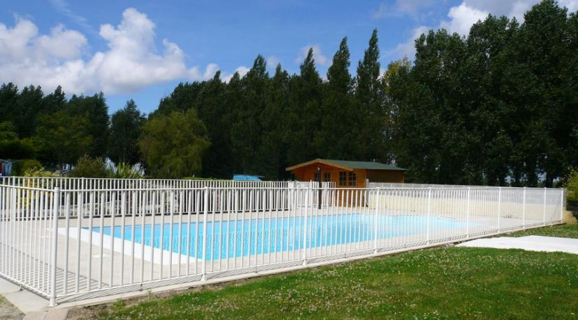 LA VILLA - shared heated pool 2