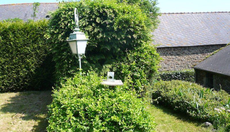 lmg back garden lamp gite st jacut de la mer