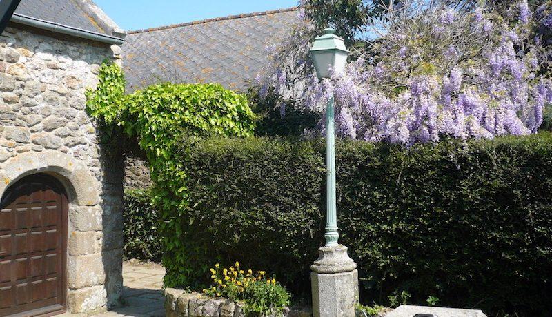 lmg front entrance lamp gite st jacut de la mer