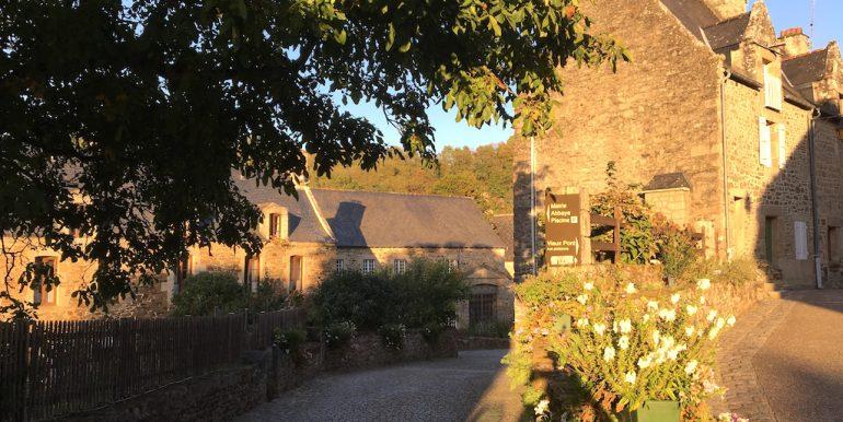 The pretty Lèhon village